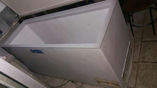 Sumsang big size chest freezers 6 by 4 feet 500kg cubic volume Nairobi CBD - image 3