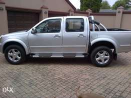 isuzu 350 v6 get in and go. excellent all round cond