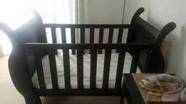 Baby cot sleigh bed