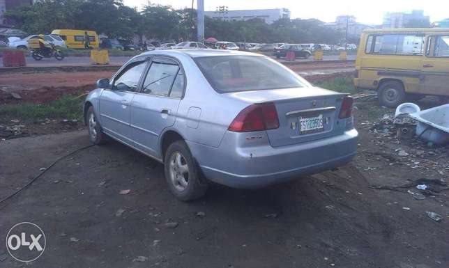 Buy and drive a clean honda civic Isolo - image 3