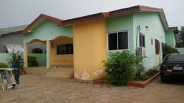 For sale executive 4 bedrooms house in spintex batsonaa area