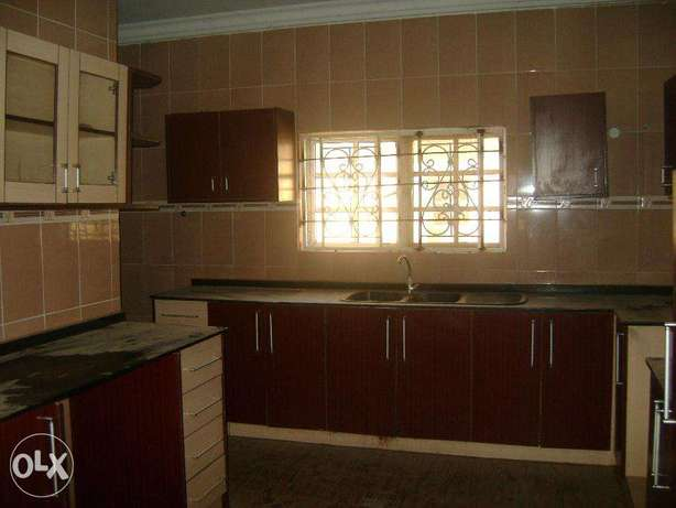 clean 4bed duplex for rent at cheap price wit bq Lokogoma - image 3