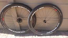 BARGAIN:Reynolds Carbon 29 Lefty Wheelset