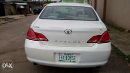 Very clean Toyota avalon 2008 model