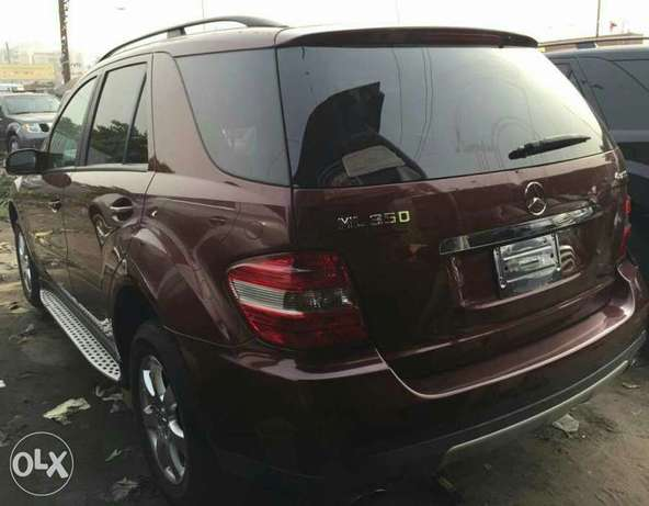 Foreign used 2006 Mercedes Benz Ml350 4matic for sale Lagos Mainland - image 5