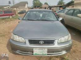 Clean Toyota Camry 2001 model