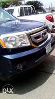 Honda Pilot metallic blue