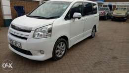 Toyota Noah for sell 990,000