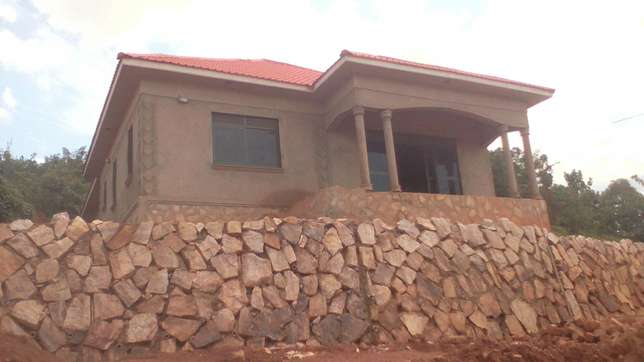 Selling a plot of land at Bulaga, Nakabugo zone, in an estate ,29M/= Kampala - image 5