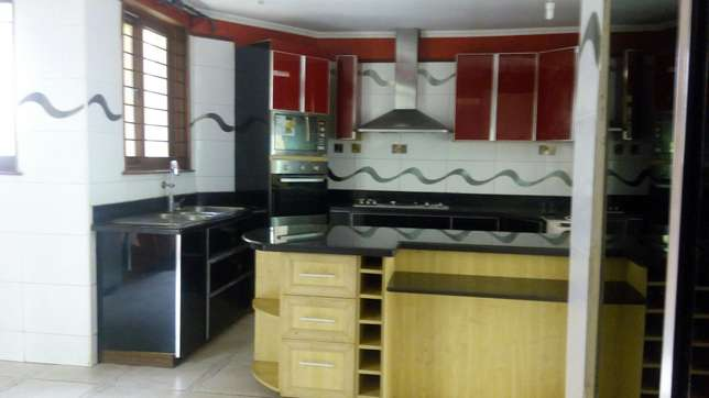 A 5 bedroom townhouse spacious rooms for letting letting. Westlands - image 3