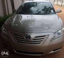 Excellent toyota camry le 07. For sale in asaba