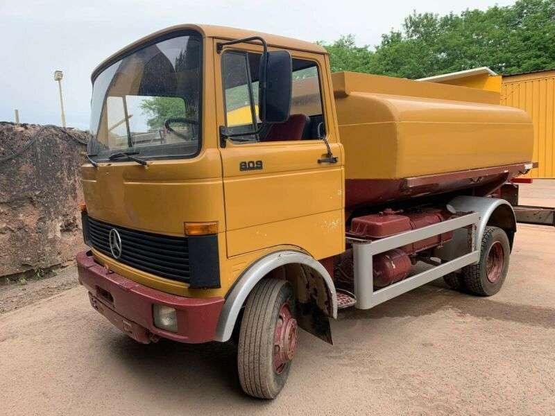 Mercedes-Benz LP 809 **BJ1979 *51.000KM** Tankwagen - 1979 - image 2