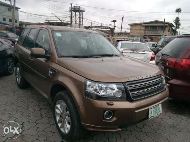 ADORABLE MOTORS: A Few months used 2015 Land Rover Freelander 2 Lagos Mainland - image 1
