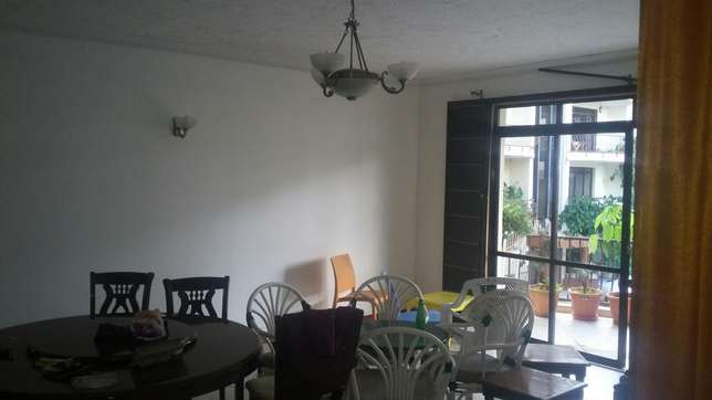 Executive 3bedroom plus Dsq for sale on first floor Lavington - image 2