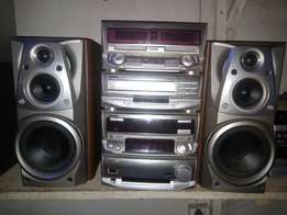 Kenwood Six Loader Compact Player