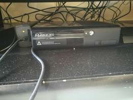 XBOX 360 slim with Kinect two controllers and 6 Games
