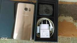 Samsung Galaxy s7 32 gb gold colour