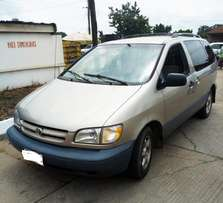 A first body 1999 Toyota Sienna 3rows for sales
