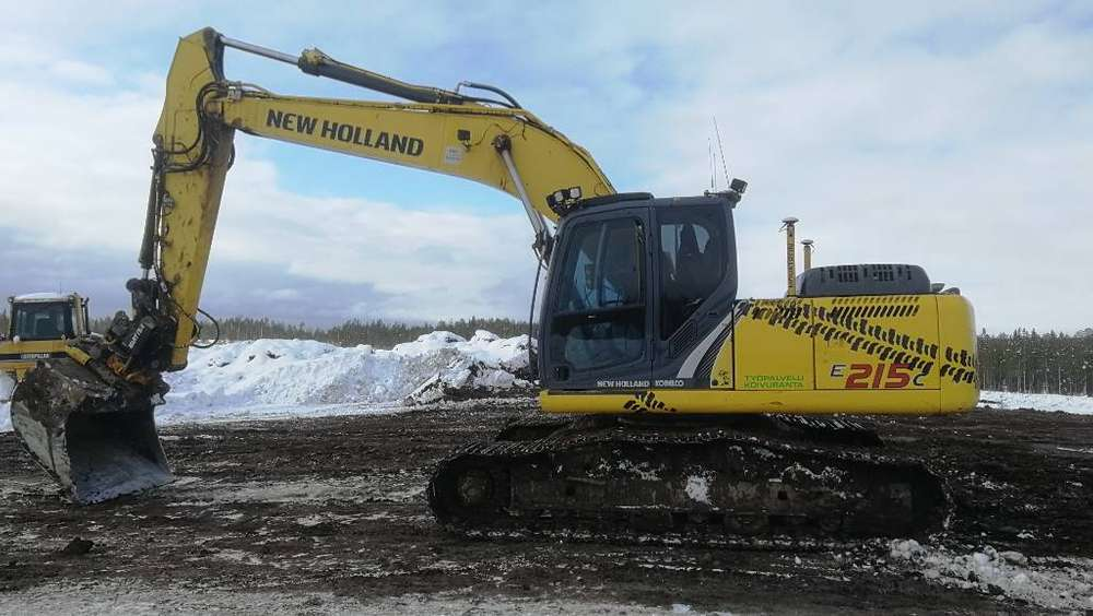 New Holland E 215 C - 2012