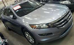 extremely neat Honda Crosstour 2011 first body with full option