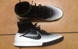 Nike Magista Indoor Soccer Boots UK 10