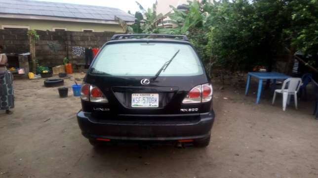 Extremely Neat Lexus Rx300 Agege - image 4
