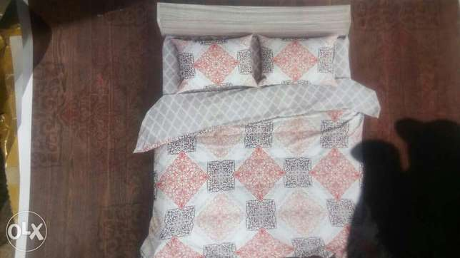 Duvets with bedsheets and a pair of pillow cases Nairobi CBD - image 7