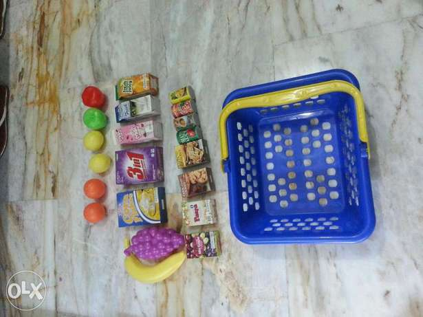 Basket with play food-over 20 pieces