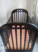 3 by 4 baby cot for sale