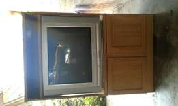 Selling a 74cm tv with cabinet