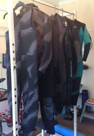 Diving Wetsuits and Free Diving/Spearfishing Fins Germiston - image 1