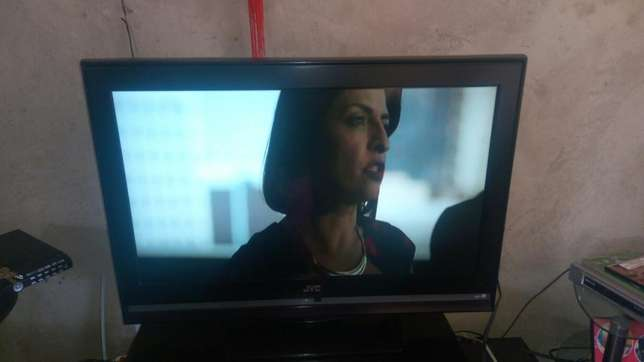 JVC 32 inch LCD for sale Mukono - image 2