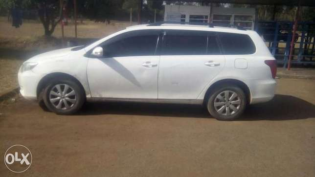 Selling above Toyota Fielder Hurlingham - image 2