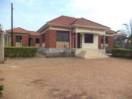 House for sale kyanja on 30 decimals