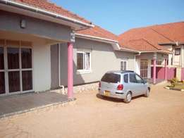 executive two bedroom house for rent in najjera at 600k