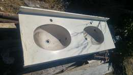 ramic Basin in good condition for only R500 neg