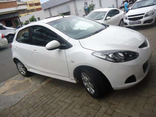 2011 Mazda 2 1.5 Dynamic Available for Sale Johannesburg - image 3