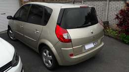 Renault Scenic with Panoramic Roof