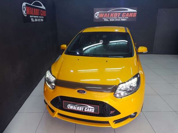 2015 Ford Focus ST3 2.0 Ecoboost Newcastle - image 4