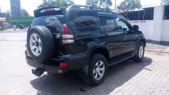 Toyota Landcruiser Ltd 120 series diesel kes 1.5m negotiable Nairobi CBD - image 3