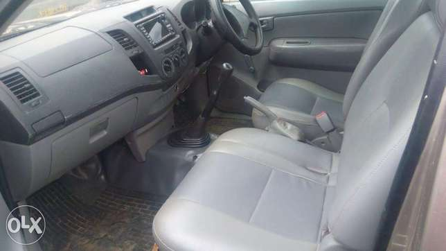 Toyota hilux for quick sale Allsops - image 5