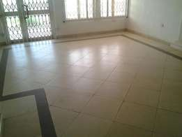 3bedrooms flat for rent at Adwaase behind Royal hotel 300ghc a month