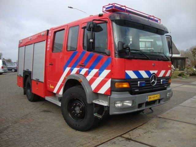 Mercedes-Benz 1528 4x4 bomberos fire truck - 2002