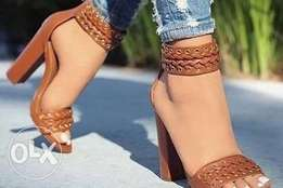 Well designed brownish hills for Lady