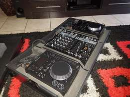2 X Pioneer CDJ-350 + Behringer DJX900 USB Mixer & Flight Case