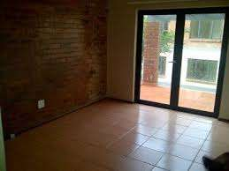 Auckland Park 2bedrooms, bath, kitchen, lounge, Rental R6500