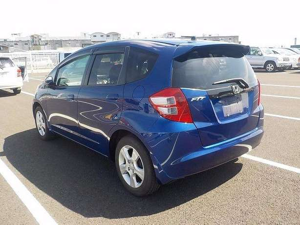 Honda Fit: 2010!Fully Loaded:FogLights!Rear Spoiler!Alloy Wheels! Nairobi West - image 3