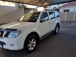 2013 Nissan Pathfinder 2.5 DCI 4x4AT LE+Navi