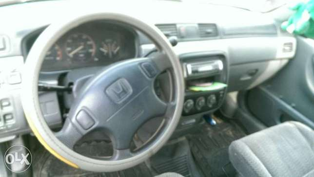 Clean Honda CRV with chilling AC Uvwie - image 4