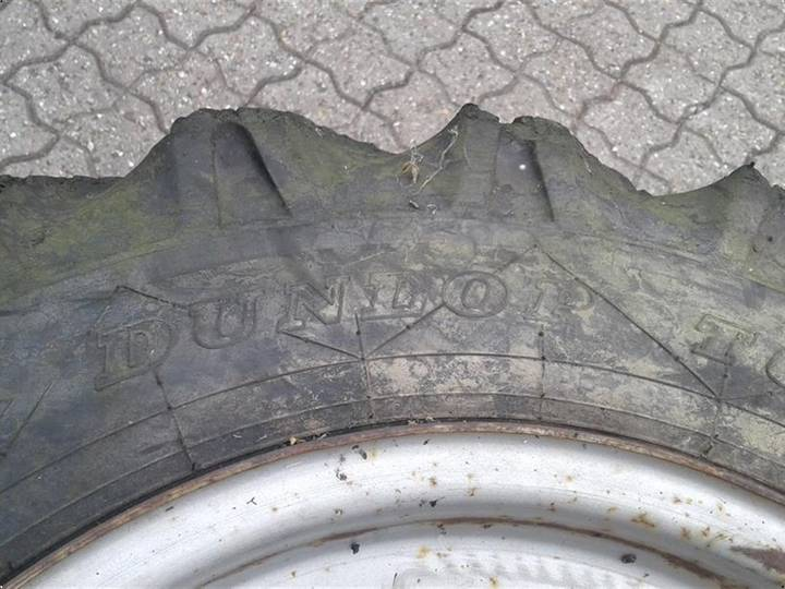 Dunlop 10/75 R15,3